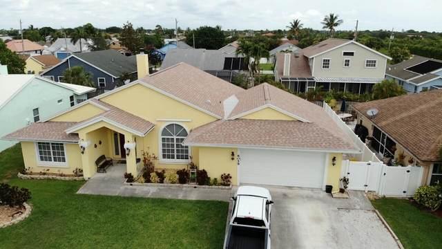 6059 Dania Street, Jupiter, FL 33458 (#RX-10715904) :: Treasure Property Group