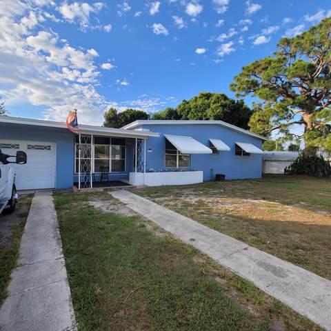 225 NE Prima Vista Boulevard, Port Saint Lucie, FL 34983 (#RX-10716095) :: Michael Kaufman Real Estate