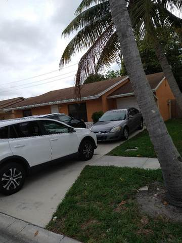 5952 Ithaca Circle W, Lake Worth, FL 33463 (#RX-10716163) :: Michael Kaufman Real Estate
