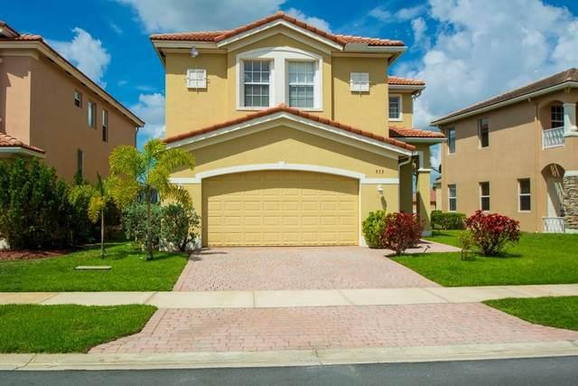 953 NW Leonardo Circle, Port Saint Lucie, FL 34986 (#RX-10716213) :: Michael Kaufman Real Estate