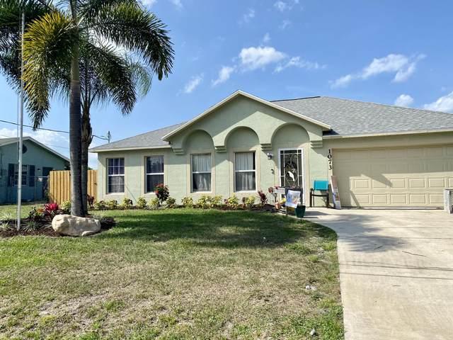 1073 SE Lansdowne Avenue, Port Saint Lucie, FL 34983 (#RX-10716484) :: Ryan Jennings Group