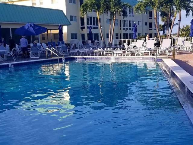 4 Colonial Club Drive #305, Boynton Beach, FL 33435 (#RX-10716525) :: Signature International Real Estate