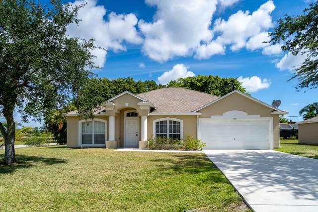 901 SE Atlantus Avenue, Port Saint Lucie, FL 34983 (#RX-10716932) :: DO Homes Group