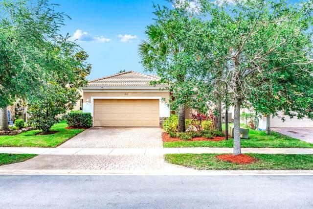 852 NW Leonardo Circle, Port Saint Lucie, FL 34986 (MLS #RX-10717075) :: Dalton Wade Real Estate Group