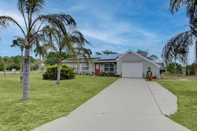 2001 SE Hideaway Circle Circle, Port Saint Lucie, FL 34952 (#RX-10717172) :: Michael Kaufman Real Estate