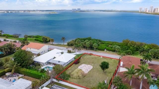 1161 Pine Point Road, Singer Island, FL 33404 (MLS #RX-10717538) :: Castelli Real Estate Services