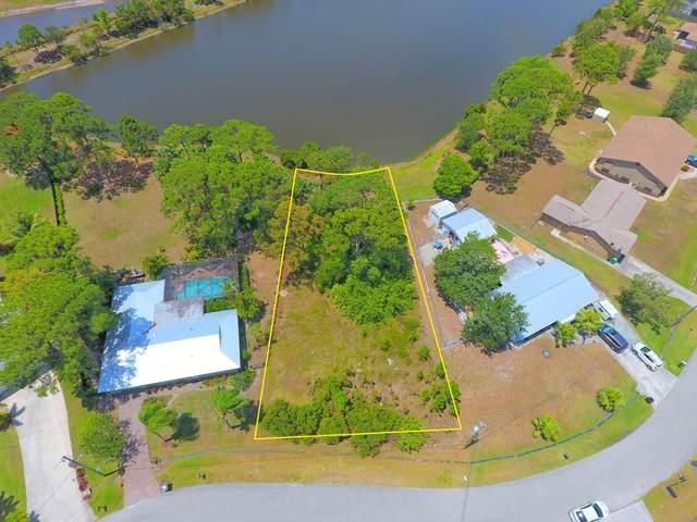 2392 SE Harrington Avenue, Port Saint Lucie, FL 34952 (#RX-10718203) :: Dalton Wade