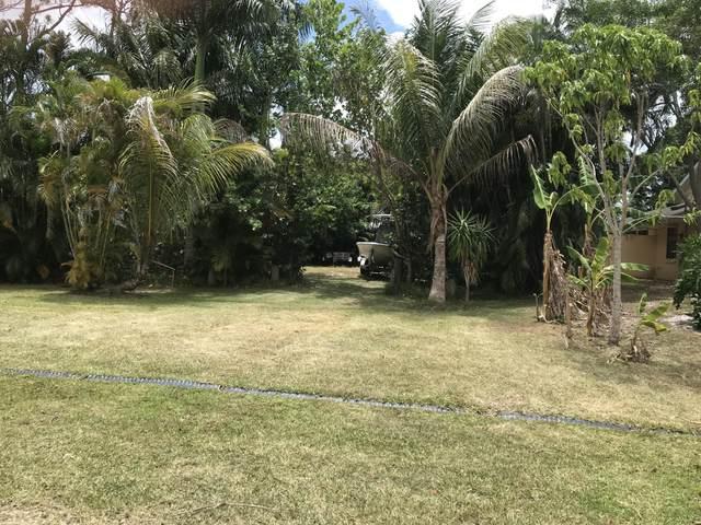 850 SE Streamlet Avenue, Port Saint Lucie, FL 34983 (#RX-10718621) :: Michael Kaufman Real Estate