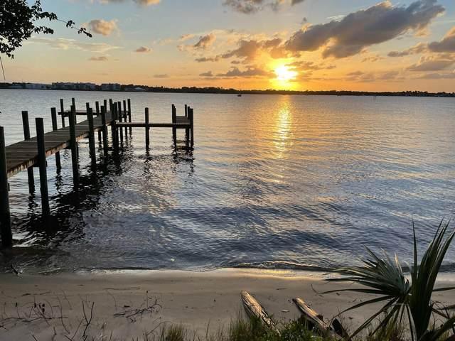 518 SW North Riverpointe Drive, Stuart, FL 34994 (#RX-10718707) :: Michael Kaufman Real Estate