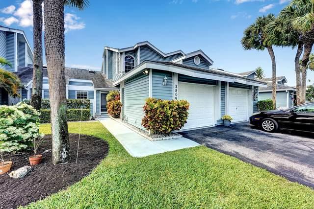 3809 Island Club Circle E, Lake Worth, FL 33462 (#RX-10719361) :: The Rizzuto Woodman Team