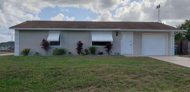 2092 SW Cameo Boulevard, Port Saint Lucie, FL 34953 (#RX-10720102) :: Michael Kaufman Real Estate