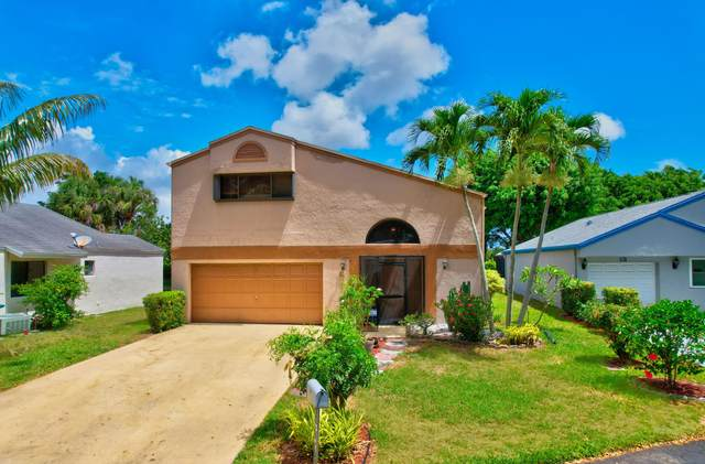 11 E Chesterfield Drive, Boynton Beach, FL 33426 (#RX-10720687) :: The Power of 2 | Century 21 Tenace Realty
