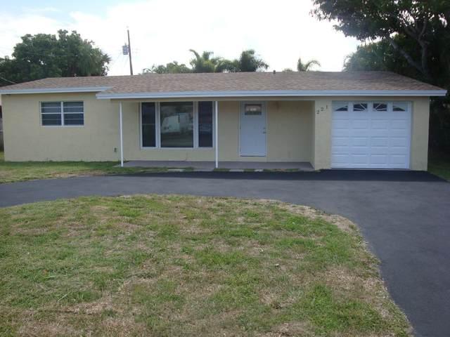 221 NE 9th Avenue, Deerfield Beach, FL 33441 (MLS #RX-10721058) :: Berkshire Hathaway HomeServices EWM Realty