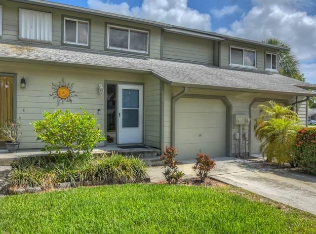 635 NE Wax Myrtle Way, Jensen Beach, FL 34957 (MLS #RX-10721539) :: The Paiz Group