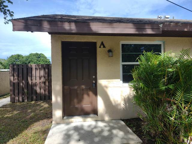 2001 Oleander Boulevard Apt A, Fort Pierce, FL 34950 (MLS #RX-10721575) :: Berkshire Hathaway HomeServices EWM Realty