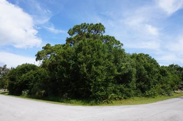 5707 Shannon Drive, Fort Pierce, FL 34951 (#RX-10721713) :: Michael Kaufman Real Estate