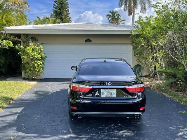 2649 NE 27th Court, Lighthouse Point, FL 33064 (MLS #RX-10721848) :: Castelli Real Estate Services