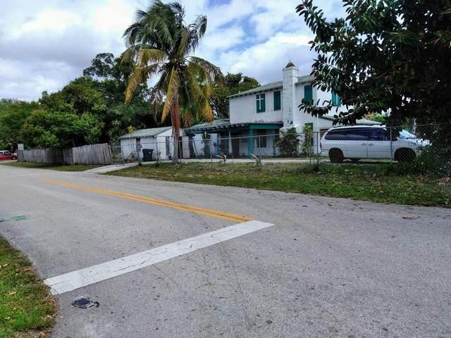 117 SW 4th Street, Delray Beach, FL 33444 (#RX-10721911) :: Michael Kaufman Real Estate