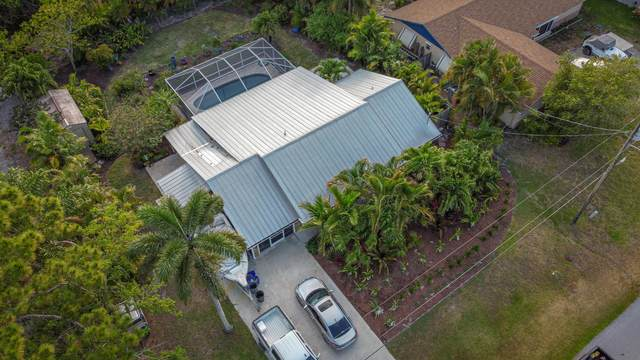 8806 SE Sunset Drive, Hobe Sound, FL 33455 (MLS #RX-10721950) :: The Paiz Group