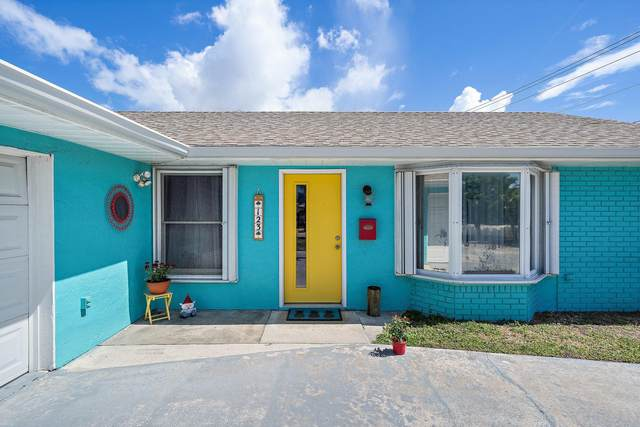 123 E Jasmine Drive, Lake Park, FL 33403 (MLS #RX-10722097) :: Castelli Real Estate Services