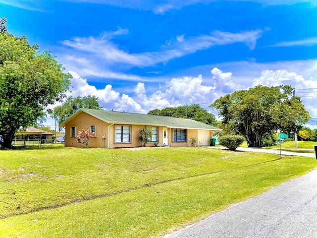 202 SE Wallace Terrace, Port Saint Lucie, FL 34953 (#RX-10722597) :: Michael Kaufman Real Estate