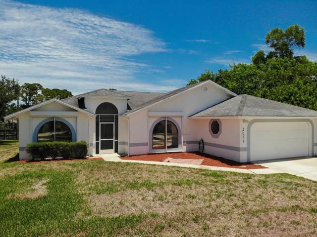 2071 SE Airoso Boulevard, Port Saint Lucie, FL 34984 (#RX-10722753) :: Michael Kaufman Real Estate