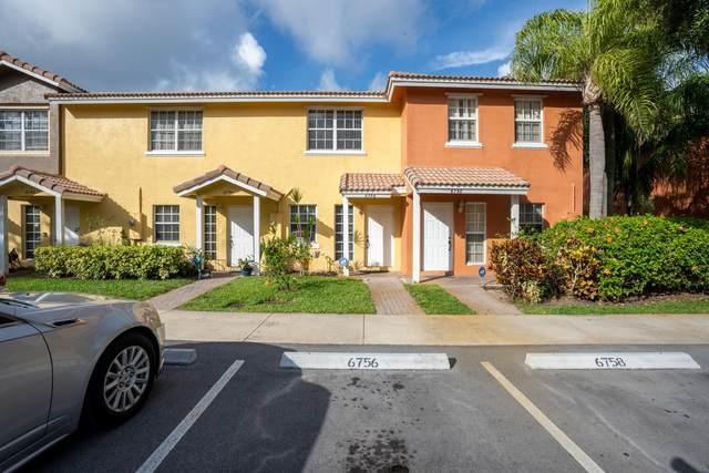 6756 Sienna Club Drive #6756, Lauderhill, FL 33319 (MLS #RX-10722941) :: Castelli Real Estate Services