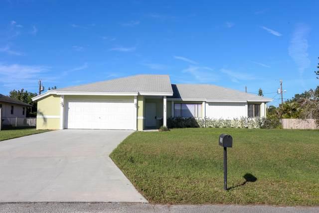 2526 SE Oakyln Street, Port Saint Lucie, FL 34984 (#RX-10723182) :: Michael Kaufman Real Estate