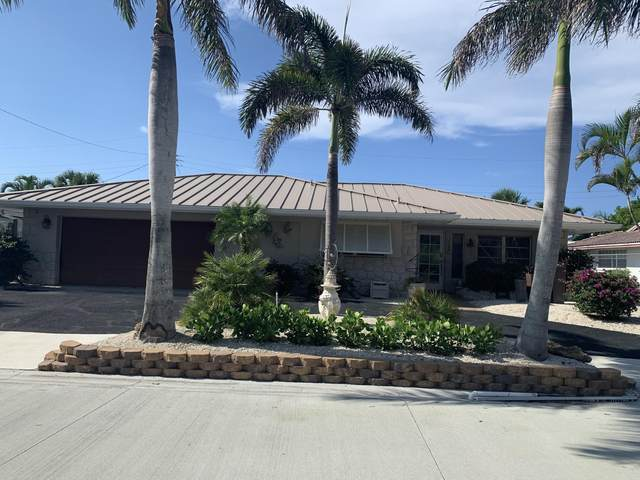 1120 Singer Drive, Singer Island, FL 33404 (#RX-10723890) :: Michael Kaufman Real Estate