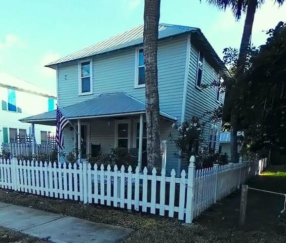 106 Avenue D, Fort Pierce, FL 34950 (MLS #RX-10724671) :: United Realty Group