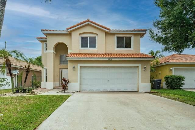 6272 Willoughby Circle, Lake Worth, FL 33463 (#RX-10725226) :: Dalton Wade