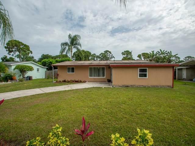 2194 1st Place SW, Vero Beach, FL 32962 (#RX-10725272) :: Ryan Jennings Group
