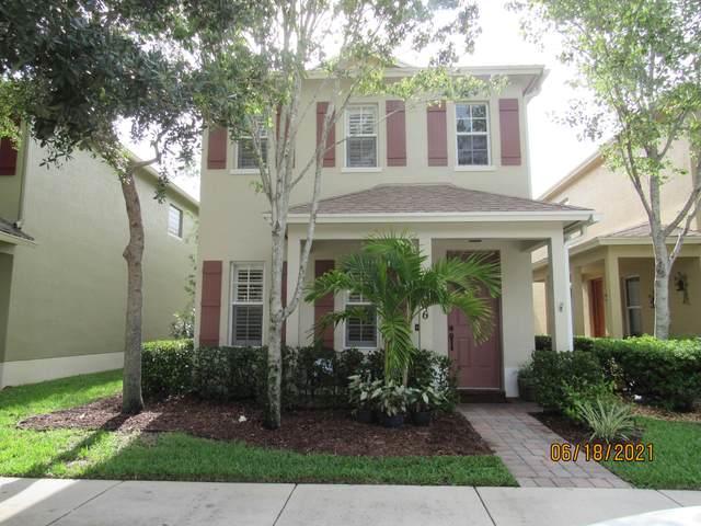 2486 SE Pineland Drive, Port Saint Lucie, FL 34952 (#RX-10725305) :: Posh Properties
