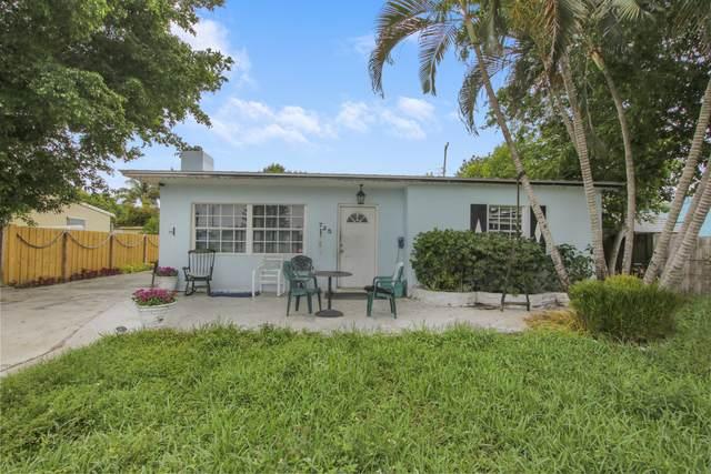 725 Cherry Road, West Palm Beach, FL 33409 (#RX-10725333) :: The Rizzuto Woodman Team