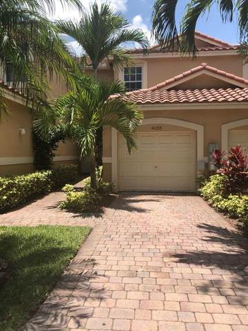 4055 Crystal Lake Drive, Deerfield Beach, FL 33064 (#RX-10725387) :: Dalton Wade