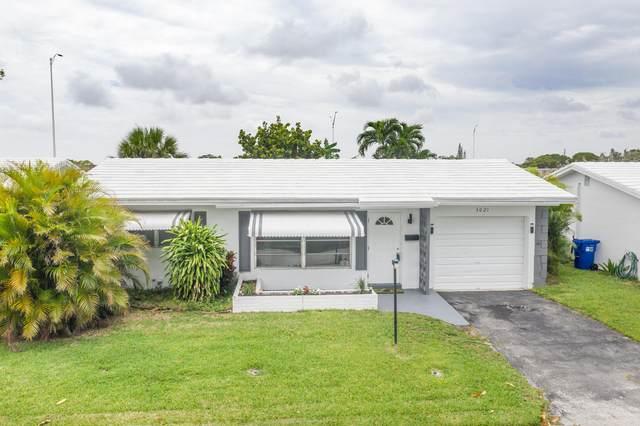 3021 NW 2nd Avenue, Pompano Beach, FL 33064 (#RX-10725406) :: The Rizzuto Woodman Team