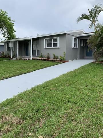 1821 Moor Drive, Lake Worth Beach, FL 33461 (MLS #RX-10725574) :: The Paiz Group