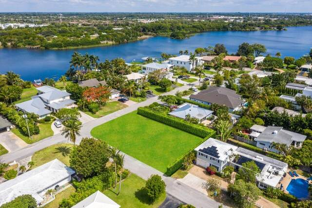 1407 Lake Drive, Delray Beach, FL 33444 (#RX-10725670) :: The Power of 2 | Century 21 Tenace Realty