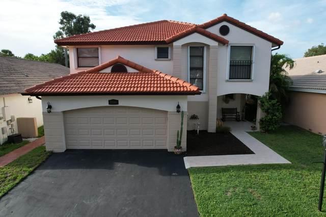 15061 Norfolk Lane, Davie, FL 33331 (#RX-10725773) :: The Power of 2 | Century 21 Tenace Realty