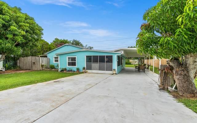 1562 NE Maureen Court, Jensen Beach, FL 34957 (#RX-10725810) :: Dalton Wade