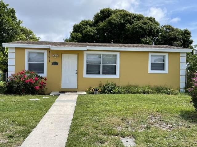 215 NW 11th Avenue, Boynton Beach, FL 33435 (#RX-10725842) :: The Power of 2 | Century 21 Tenace Realty