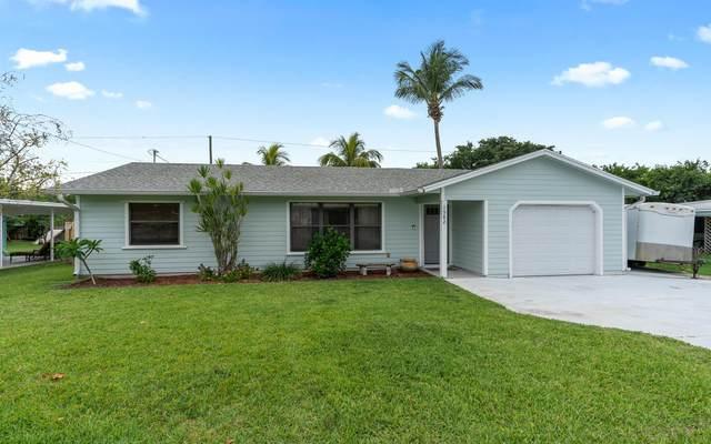 1582 NE Maureen Court, Jensen Beach, FL 34957 (#RX-10725915) :: Dalton Wade