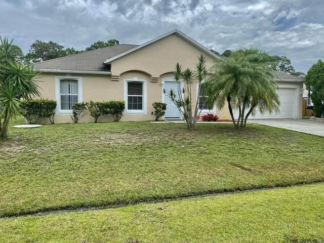 825 SE Damask Avenue, Port Saint Lucie, FL 34983 (#RX-10726199) :: Michael Kaufman Real Estate