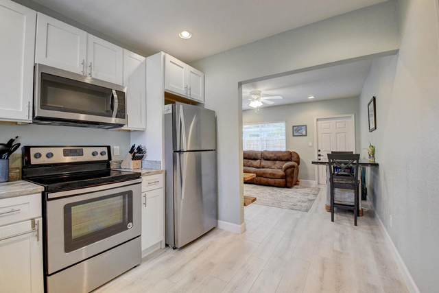 235 NE 13th Street, Delray Beach, FL 33444 (#RX-10726248) :: Ryan Jennings Group