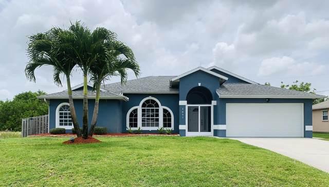 3457 SE Hart Circle, Port Saint Lucie, FL 34984 (#RX-10726260) :: Michael Kaufman Real Estate