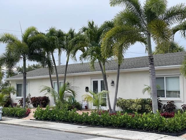 West Palm Beach, FL 33405 :: Michael Kaufman Real Estate