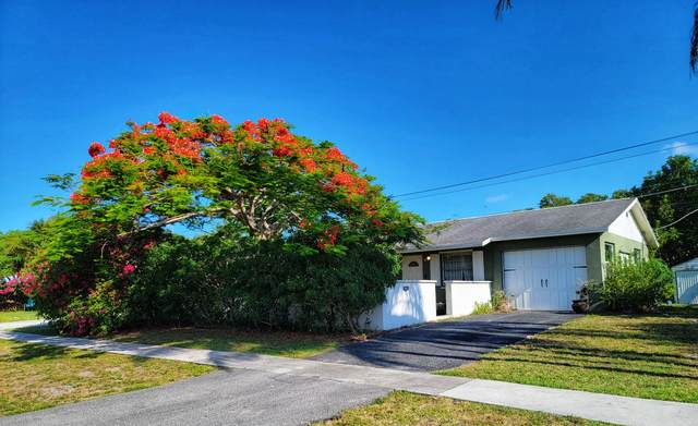 1006 Mohican Boulevard, Jupiter, FL 33458 (#RX-10728699) :: Treasure Property Group