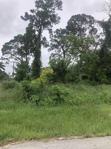 1026 SE Lansdowne Avenue, Port Saint Lucie, FL 34983 (MLS #RX-10729325) :: Dalton Wade Real Estate Group