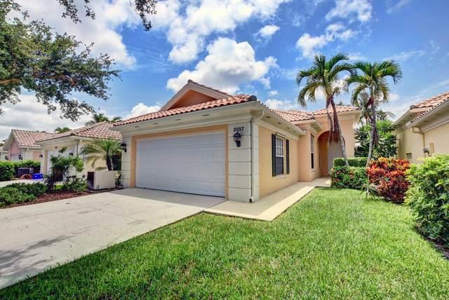 2557 James River Road, West Palm Beach, FL 33411 (#RX-10732263) :: The Rizzuto Woodman Team