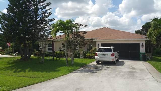 473 SW Prater Avenue, Port Saint Lucie, FL 34953 (#RX-10733406) :: The Rizzuto Woodman Team